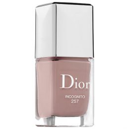 Dior Vernis Gel Shine and Long Wear Nail Lacquer in Incognito 257